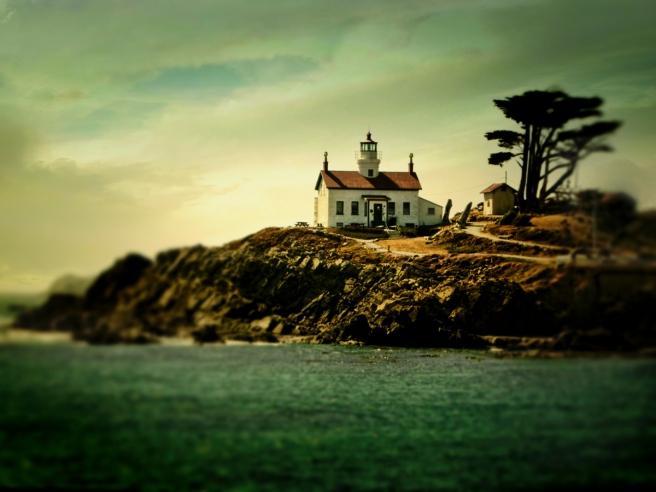 Miniature Lighthouse Island - D. Moorezart, copyright 2015