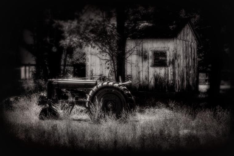 julian-barn-and-tractor-final2