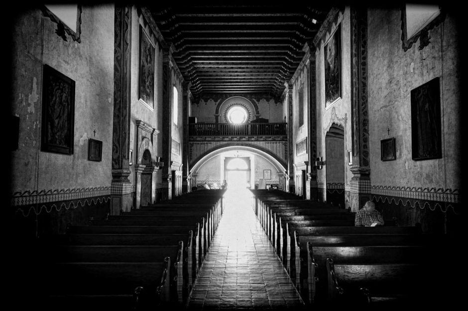 wholl-walk-me-down-to-church-fin-vignette
